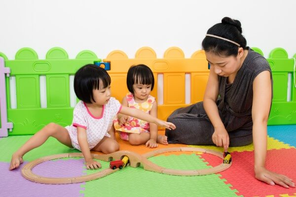 Raising Bilingual Kids: Can Two Languages Affect Language Development?